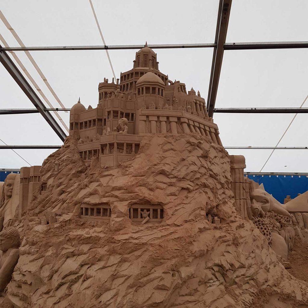 Warnemünder Sandwelten | Ausgangsfoto Sandburg